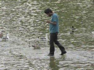 Jésus marche sur l'eau 1